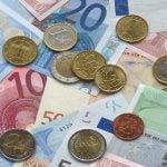 euro 1166051 1280 150x150 Kulkeeko raha ja onnellisuus käsi kädessä?