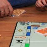 monopoly 1973471 12802 150x150 Kulkeeko raha ja onnellisuus käsi kädessä?
